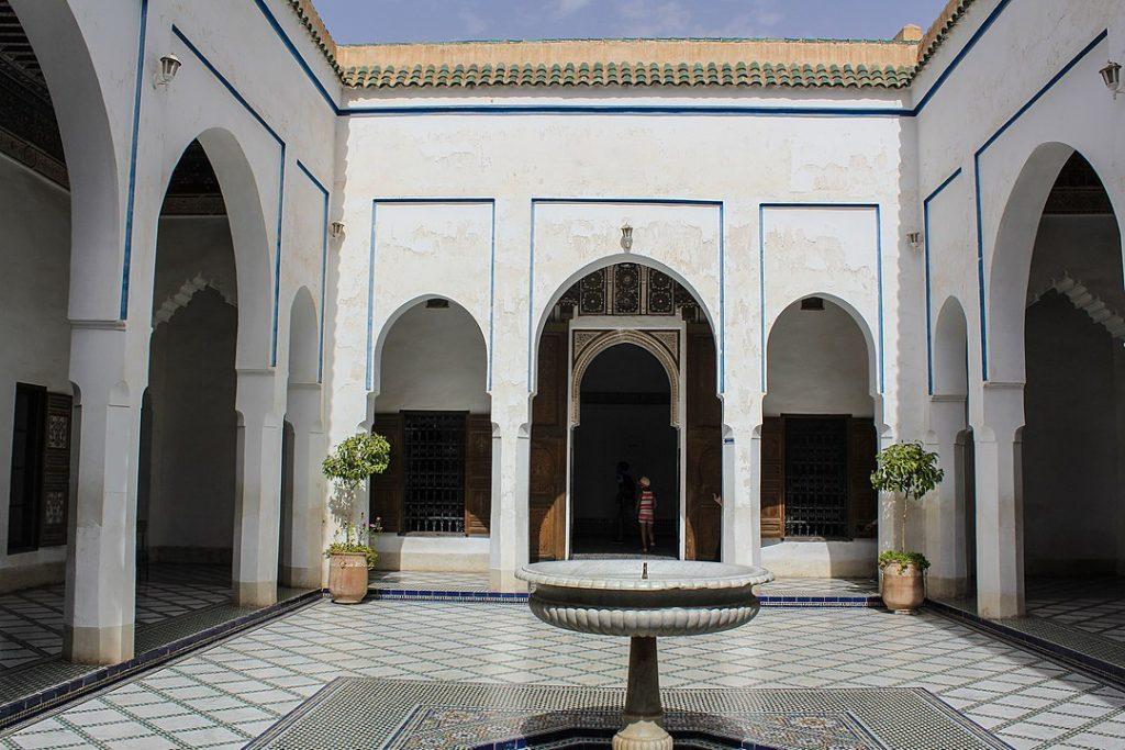 Innenhof mit Brunnen im Bahia-Palast