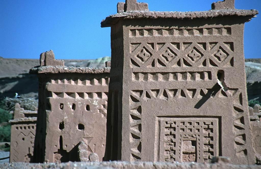 Ornamente am Turm einer Kasbah
