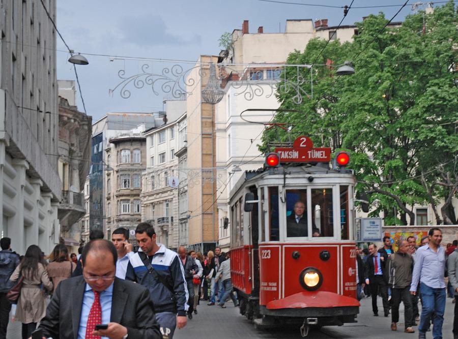 Historische Straßenbahn auf der Istiklal Cadessi